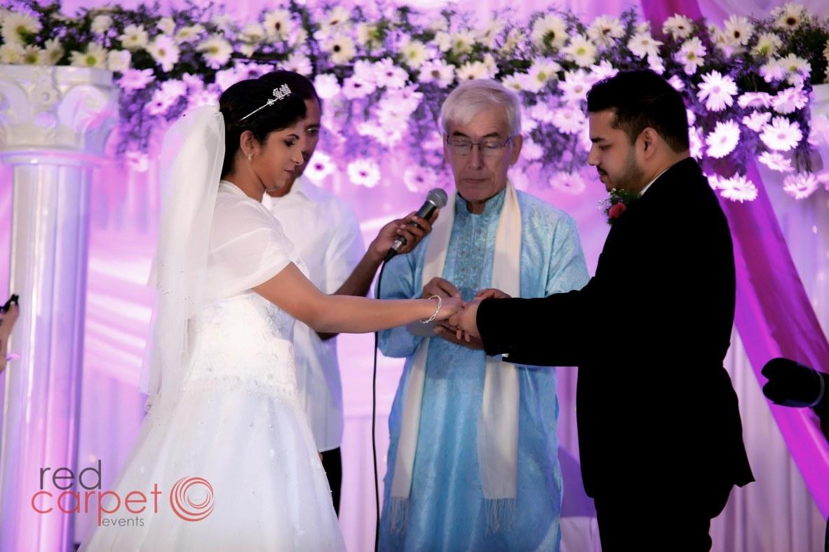 Western wedding at contour backwaters, changanacherry