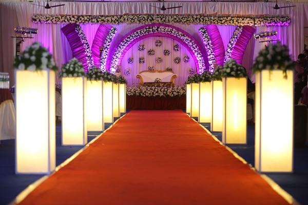 aisle setting decor for christian wedding kerala